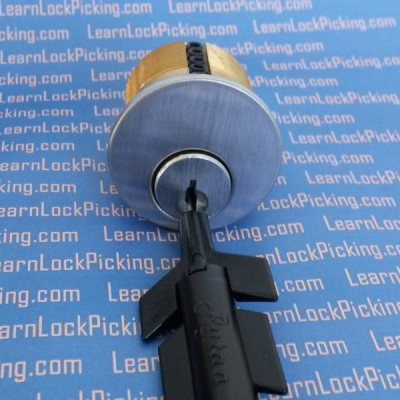 plug spinner in lock